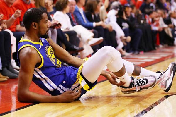 Kevin Durant gia nhập Brooklyn Nets cùng Kyrie Irving