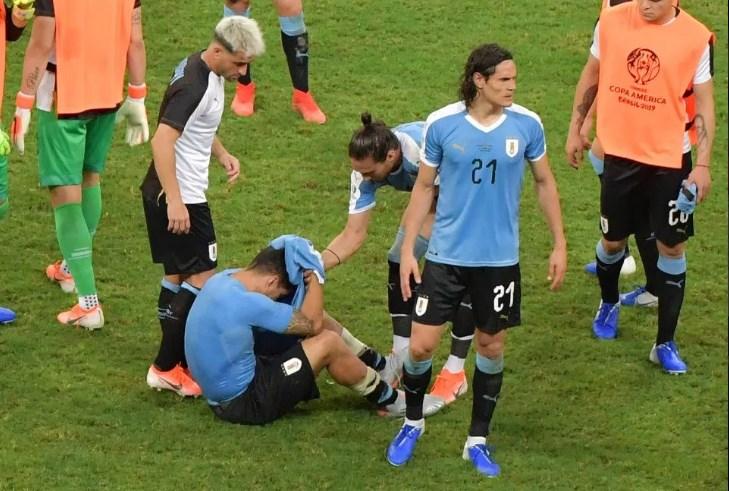Luis Suarez phản ứng ra sao sau khi trở thành tội đồ khiến Uruguay thua Peru?