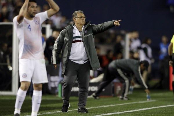 HLV Tata Martino bị cấm chỉ đạo trận bán kết Concacaf Gold Cup 2019