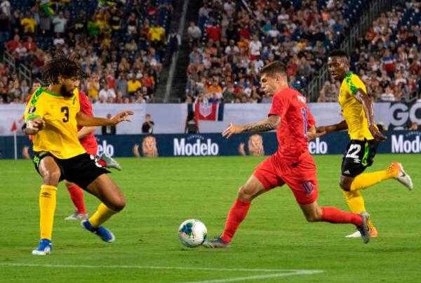 Trực tiếp Mỹ 1-0 Jamaica (H2): Jamaica giao bóng