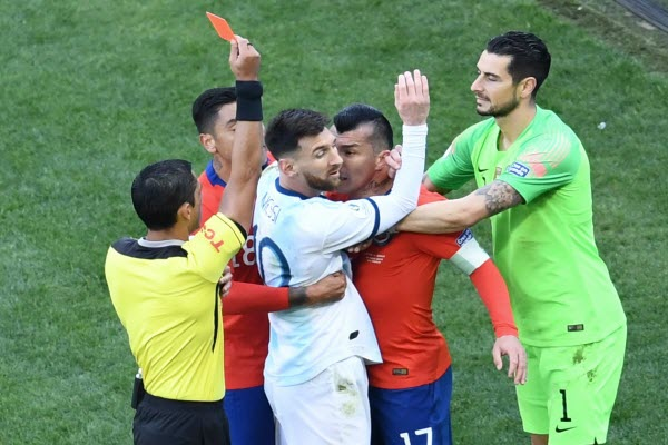 Trực tiếp Argentina 2-1 Chile, (H2): Aguero bỏ lỡ cơ hội ngon ăn