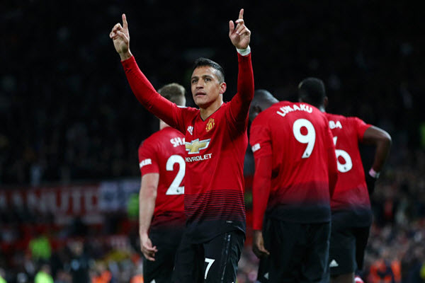 "Man United bất ngờ muốn giữ ""quả tạ"" Sanchez"