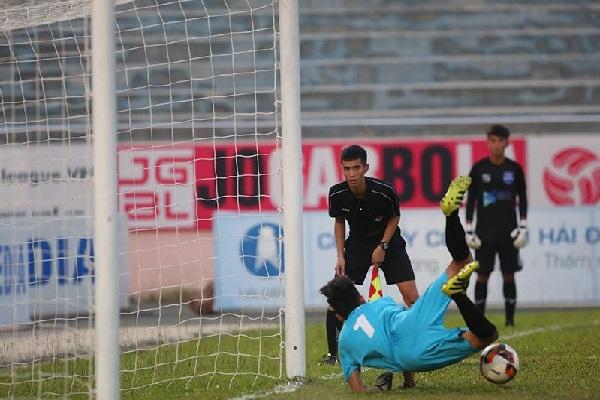 Lê Trung Tuấn tỏa sáng như đàn anh Bùi Tiến Dũng, Thanh Hóa vô địch U17 Quốc gia 2019