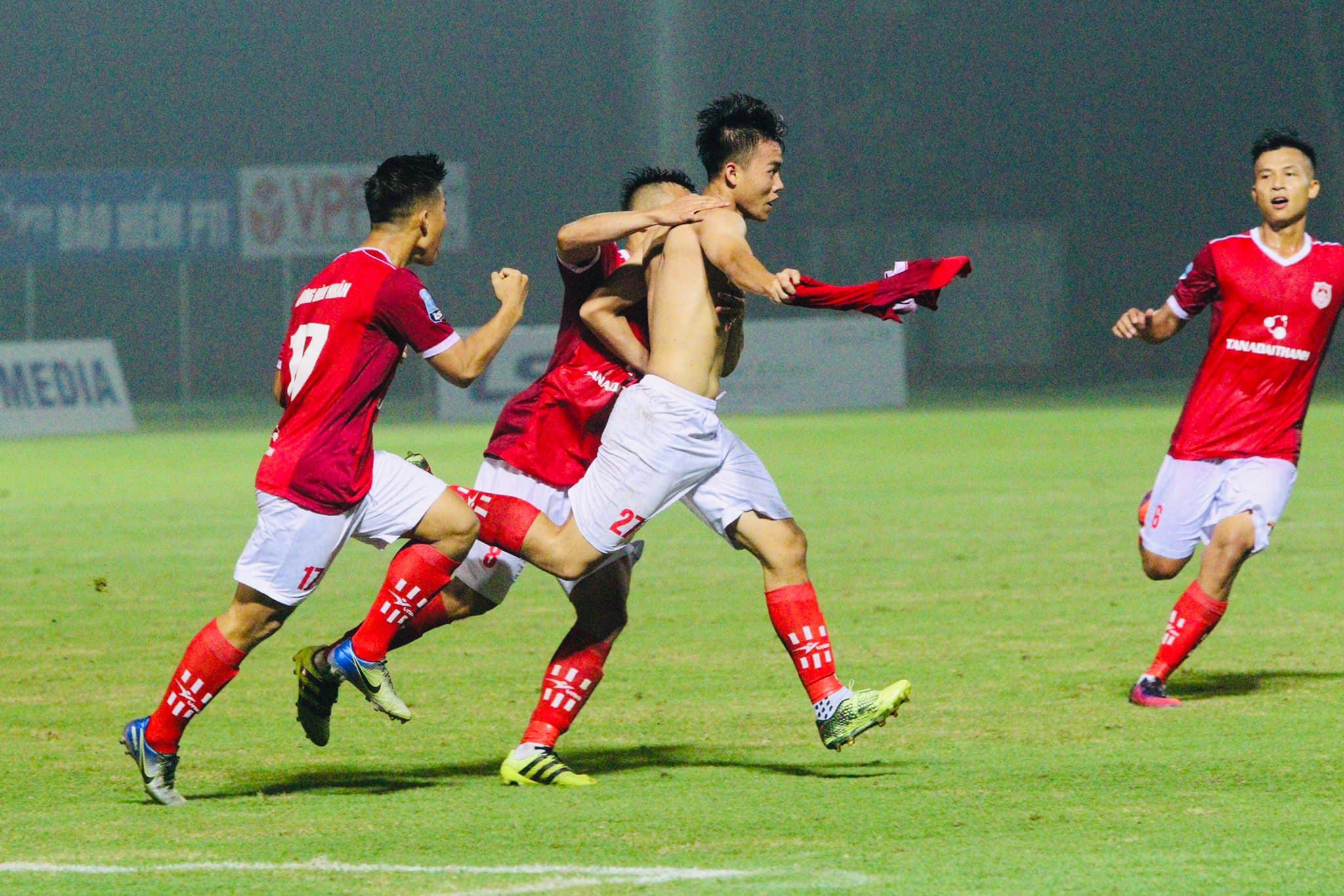 Trực tiếp Đồng Tháp 1-0 Phố Hiến (H1): Bàn thắng bất ngờ
