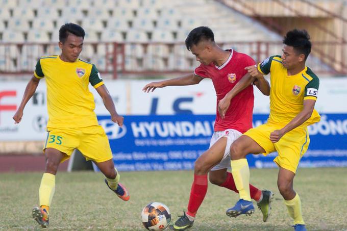 Trực tiếp Đắk Lắk 0-0 Hồng Lĩnh Hà Tĩnh (HT): Quá nhiều cơ hội bị bỏ lỡ