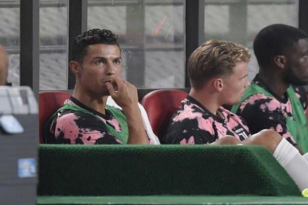 Juventus và Ronaldo bị khởi kiện