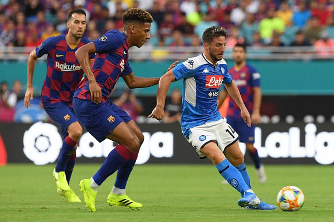 Napoli 1-2 Barca: Suarez, Griezmann im tiếng, Barca thắng nhọc Napoli