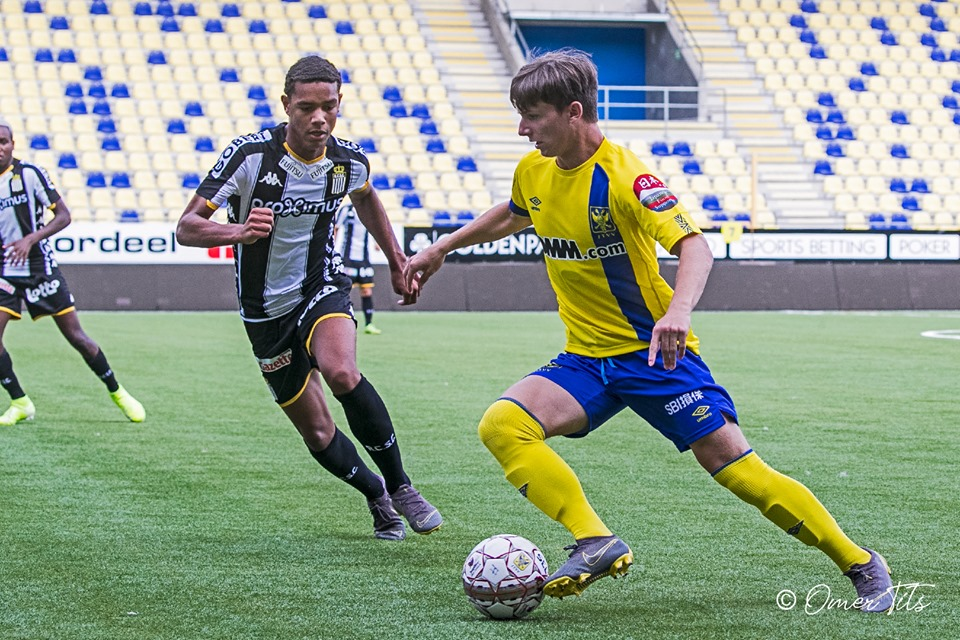 Sint-Truidense 2-1 Standard Liege: Đội bóng của Công Phượng giành 3 điểm đầu tiên