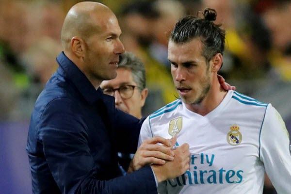 """Zidane bất ngờ """"cầu cạnh"""" Gareth Bale và James Rodriguez"""