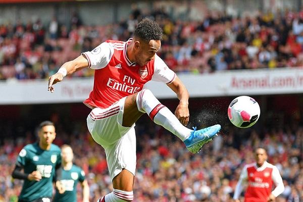 Trực tiếp Arsenal 2-1 Burnley (H2): Pháo thủ chơi an toàn