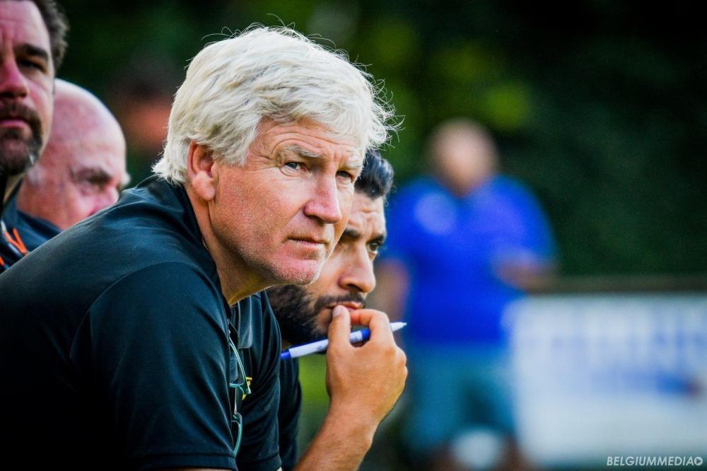 HLV Sint Truidense không hài lòng về chất lượng cầu thủ