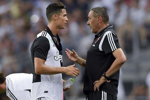 Sau Ronaldo, Juventus vắng cả HLV Sarri trong ngày khai mạc Serie A
