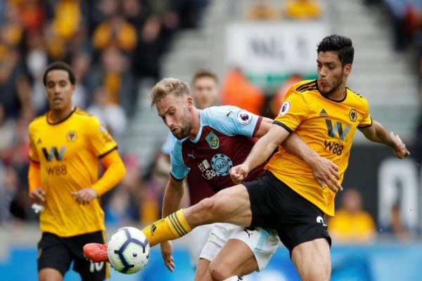 Wolves 1-1 Burnley: 1 điểm muộn màng