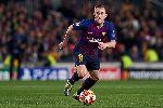 Sao Barca bị trộm 'thăm nhà' trong chiến thắng trước Liverpool