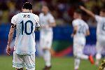 HLV Scaloni: 'Messi chơi tốt, Argentina thua bởi sai lầm và mặt cỏ