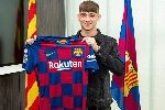 Barcelona vượt mặt PSG chính thức sở hữu tài năng trẻ