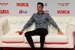 Cristiano Ronaldo lo sợ phải nhận cái kết giống Lionel Messi ở Champions League