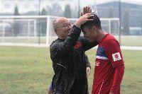 HLV Park Hang-seo lý giải nguyên nhân Quang Hải, Công Phượng tịt ngòi ở V-League 2018