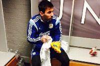 MU treo ảnh Messi ở học viện trẻ