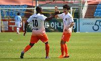 Xem bóng đá trực tiếp Gangwon vs Jeonbuk Motors 18h00, 25/04