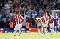 Ngoại hạng Anh mùa 2017/18: Stoke City trở thành CLB đầu tiên xuống hạng