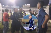 CHOÁNG: Người của Ban tổ chức đòi đánh HLV Chu Đình Nghiêm của Hà Nội FC