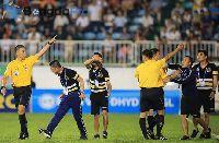 'Cơn mưa' án phạt giáng xuống đầu CLB Hà Nội trước trận gặp HAGL