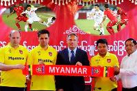 CHÍNH THỨC: Bại tướng U19 Việt Nam đối đầu thầy trò HLV Park Hang-seo ở AFF Cup 2018
