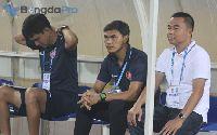 Vòng 8 V-League lại nóng về vấn đề trọng tài