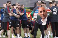 Tin World Cup hôm nay 15/6: Ramos ẩu đả với Chủ tịch LĐBĐ Tây Ban Nha