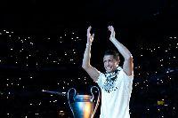 Tin chuyển nhượng: Ronaldo CHÍNH THỨC rời Real Madrid gia nhập Juventus