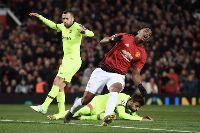 MU 0-1 Barcelona: Trò đá ma của Messi và đồng đội