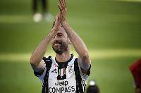 Lão tướng Juventus chính thức giải nghệ