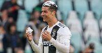 Ronaldo cam kết tương lai với Juventus