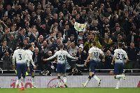 Video: Eriksen lập siêu phẩm, Tottenham vững vàng Top 4