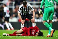 Mohamed Salah chấn thương, nguy cơ lỡ bán kết lượt về Champions League