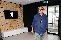 Sarri gọi Juventus là 'đỉnh cao sự nghiệp' trong ngày ra mắt CLB