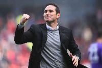 """Chelsea """"tặng quà"""" Frank Lampard trong ngày trở về"""
