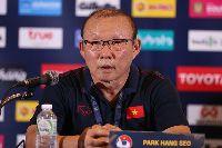 HLV Park Hang-seo: 'Tiền không quan trọng bằng tham vọng của bóng đá Việt'