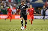 Jonathan Dos Santos khiến Christian Pulisic nếm trái đắng ở chung kết Gold Cup 2019