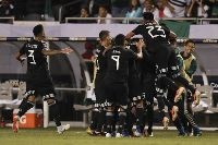Mỹ 0-1 Mexico: Santos toả sáng, Mexico lần thứ 11 vô địch Gold Cup