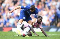 Chelsea 1-1 Leicester City: Cầm vàng lại để vàng rơi