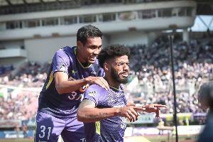 Siêu sao Thái Lan 'đại náo' J-League, cả Đông Nam Á ngưỡng mộ
