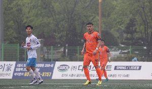 Cựu cầu thủ U23 Việt Nam làm lu mờ Xuân Trường tại Hàn Quốc