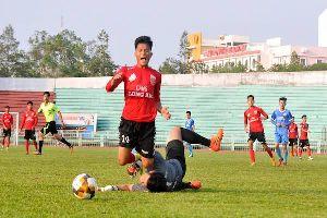 Trực tiếp An Giang vs Long An (H1: 0-0): Chủ nhà dồn ép