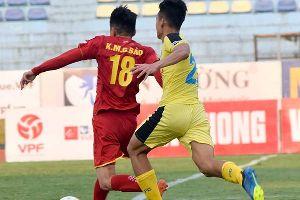 Trực tiếp Công An Nhân Dân 0-0 Fishsan Khánh Hòa (H1): Gia tăng áp lực