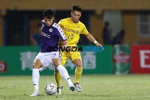 Trực tiếp Hà Nội FC 0-0 Ceres Negros (H2): Quang Hải sút bóng vọt xà