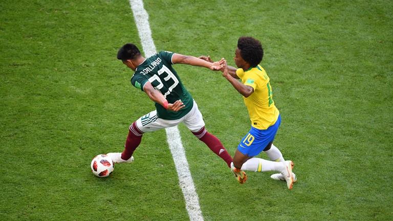 Brazil vs Mexico: Ngày của Neymar
