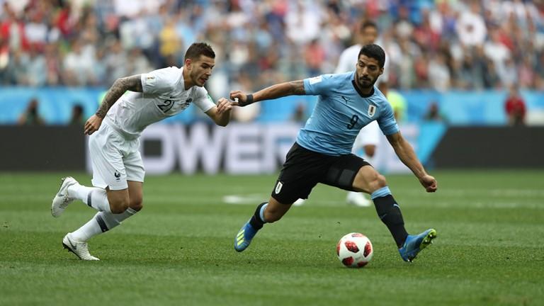 Trực tiếp Pháp 2-0 Uruguay (H2): Uruguay chủ trương nhồi bóng bổng