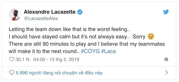Lacazette xin lỗi pháo thủ vì nhận thẻ đỏ ngớ ngẩn